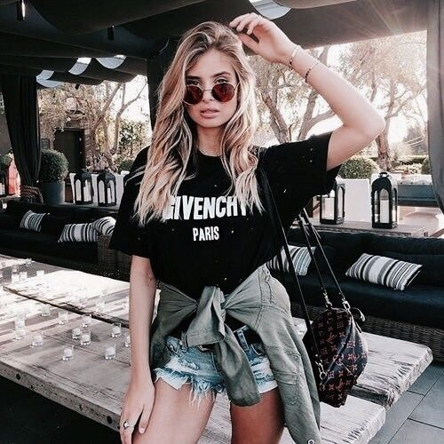 • V E E • pinterest : @vandanabadlani• Fashion, image, outfit, street style, hipster, teen, body goals, Pretty Beauty, girl, girly, hair, makeup, love, icon, eyelash, brows, hairstyle, nails, fashion, style, girl inspiration, gorgeous people, image, cute,