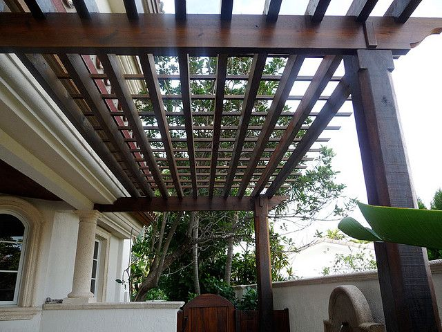 41 best bungalow backyards images on pinterest bungalows for Diy modern pergola