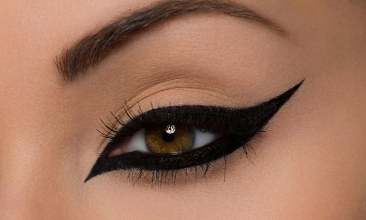 How to get Sexy and Dramatic Eyeliner Look - Fashion Style Mag