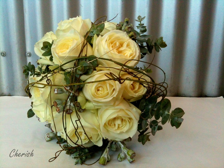 Romance... perfect flowers for a perfect Snowy Mountains wedding