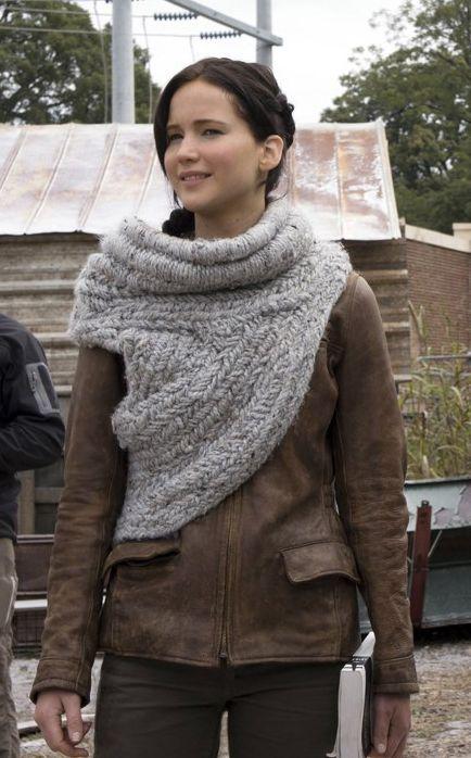 Katniss Everdeen scarf/wrap. **Free pattern** http://m.ecouterre.com/ecouterre/#!/entry/knit-crochet-katniss-everdeens-cowlneck-wrap-from-catching-fire,5293d86f025312186c90d75b/media/1