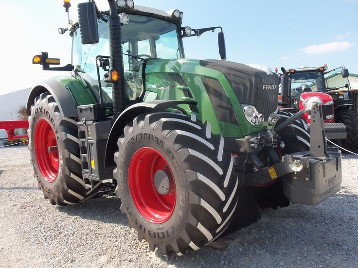 Fendt  933.330 engine hp,275 PTO hp from a 473 cid turbocharged diesel engine.This is smaller then the John Deere 549 cid diesel & The CaseIH 531 cid diesel.