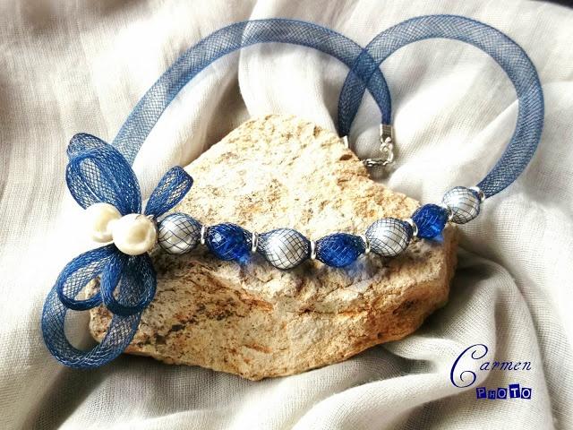 collana tubolare con perle inserite