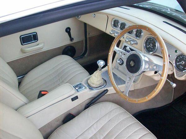 mgb gt interior cerca con google cars pinterest. Black Bedroom Furniture Sets. Home Design Ideas