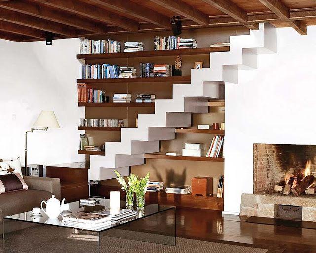 Biblioteca debajo de la escalera espacios especiales - Escaleras de cemento para interiores ...