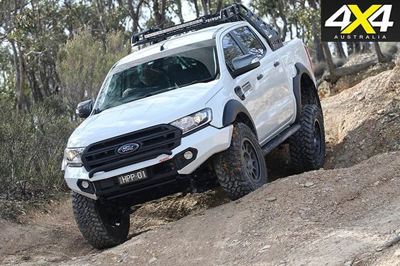 Custom ford ranger downhill driving Más