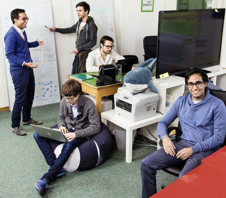 Comment réussir dans le numérique. La jeune équipe de Goodwall. De gauche à droite et de haut en bas: Omar Bawa, Alex Alex Bredy, Marcus Bonalumi, Aleksis Bourqui et Taha Bawa. © François Wavre/Rezo