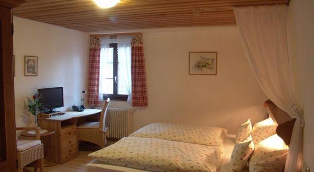 Die Krone Historisches Gasthaus - 3 Sterne #Guesthouses - CHF 95 - #Hotels #Deutschland #Denzlingen http://www.justigo.li/hotels/germany/denzlingen/restaurant-zur-krone-denzlingen-unterdorf_197455.html