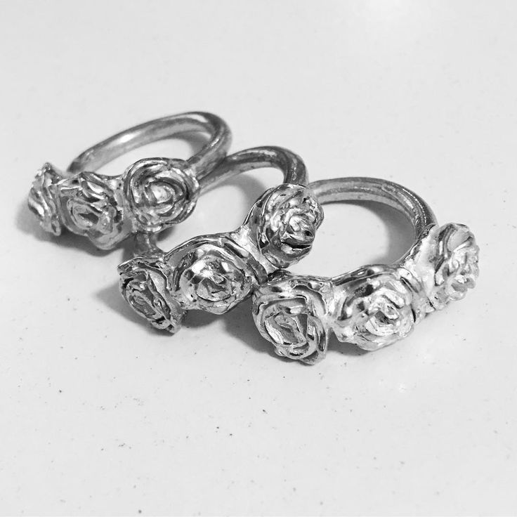 A ring adorned with stylised textured and layered roses . #easytowear #subtlebeauty #herbertandwilks #sallyherbert #limitededition #silver #natura #flowers #madetoorder #ring #roses #fashionjewelery #adornment #made #texture #treasure #handmade #simpledesign #organic #auckland #inspiredbynature #raw #artjewellery  #nzjeweller #yourstyle #supporthandmade #botanicalinspiration #thejewellersstudio  #womensfashion #collection2018