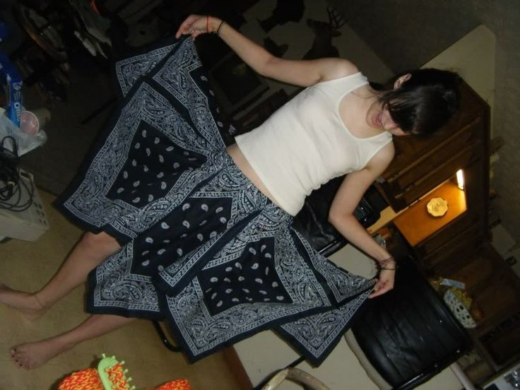 This'll be a good skirt basis for a dance number... // bandana skirt.
