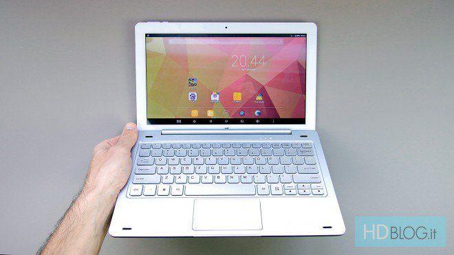 Recensione Teclast TBook 16 Pro http://www.sapereweb.it/recensione-teclast-tbook-16-pro/        Teclast Tbook 16 Pro Teclast Tbook 16 Pro è un convertibile 2-in-1 con schermo da 11.6 pollici Full HD e doppio sistema operativo. La parte tablet, con processore Intel Atom x5, 4 GB di RAM, 64 GB di eMMC e porte microHDMI, microUSB e microSD, costa circa 195 euro. La tastiera dock, con ...