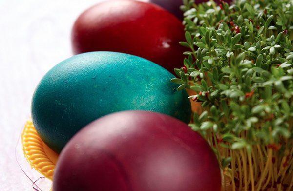 Cum prepari vopsele naturale pentru ouale de Pasti[…]