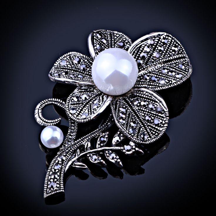 FAELENA Jewelry Retro Style Imitation Pearl Flower Brooch Elegant Black Rhinestones Brooches and Pins for Women
