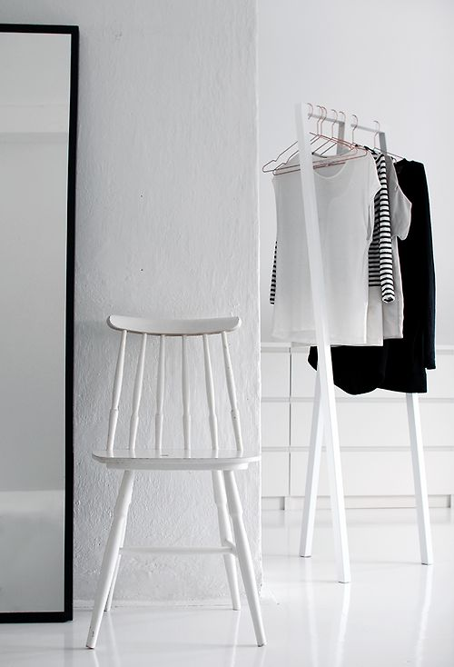 Minimal Clothing Rack (picture by Pihkala)
