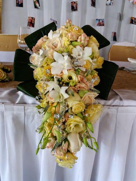 Tündérmese menyasszonyi csokor orchideából, rózsából, lisianthusból stb.  - Fairytale bridal bouwuet. Orchids, roses, lisianthus etc.  https://goo.gl/VHGQ2V
