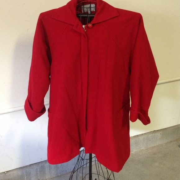Reduced! Beautiful vintage Versace coat Vintage Cape coat in beautiful vibrant red! Very well kept in excellent condition! Gianni versace Jackets & Coats