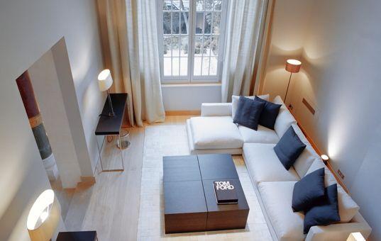 Frankreich - Ile de France  - Paris - Trocadero Suites - Schlichtes und hochmodernes Wohnzimmer mit Sitzgruppe