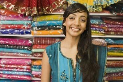 How to Make a Sari Silk Bracelet thumbnail