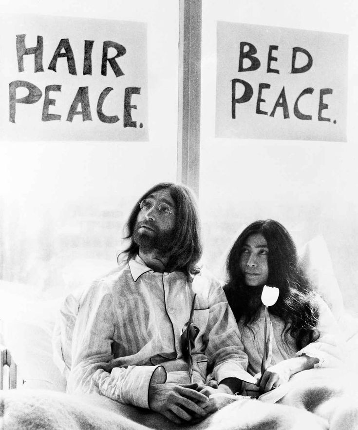 John Lennon in bed with Yoko Ono at the Hilton Hotel Amsterdam, March 1969.