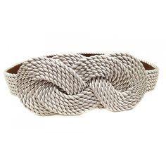 Un cinturón de cordón de sea es un complemento ideal para asistir a una boda. Más complementos en: http://www.esta-de-moda.es/moda-tendencias/complementos/complementos-de-cordon-de-seda/