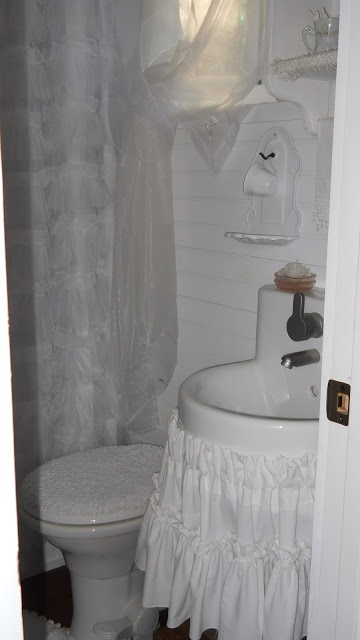 105 best Tiny House Bathrooms images on Pinterest Room Tiny