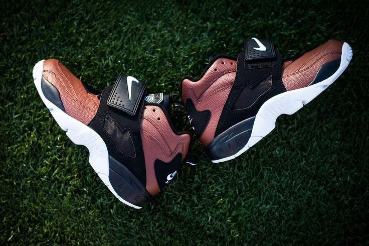 "Nike Air Diamond Turf ""Football"""