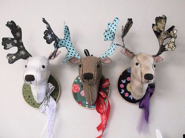 Charlie barlee reindeer heads by Bustle & Sew, via Flickr, helaas geen patroon, no pattern