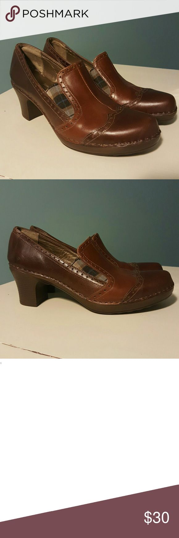 "Josef Seibel Comfort Heel/Shoes 40 Awesome pair of brown leather heels by Josef Seibel. If you have ever owned a pair of Josef Seibel shoes, you know just how comfy they are!  Heels measure 2.5"". EUC Josef Seibel Shoes"