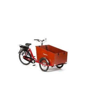 """Génial : vélo cargo électrique Holland Bikes Triporteur extra large : """"Tinbikes"""" est le spécialiste du vélo électrique : ce triporteur est stable avec une caisse de grande capacité pour transporter les enfants ou bien des marchandises. Toujours équipé de sa batterie lithium 24V 13.5A pour une assitance au pédalage agréable. Couleurs : Noir, rouge et orange"""