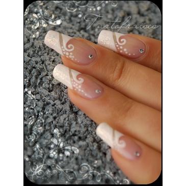 nail art wedding white