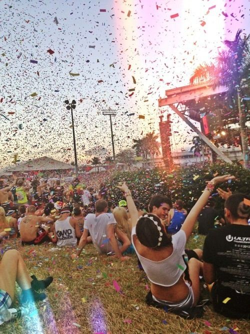 I want to go to a music festival so bad!