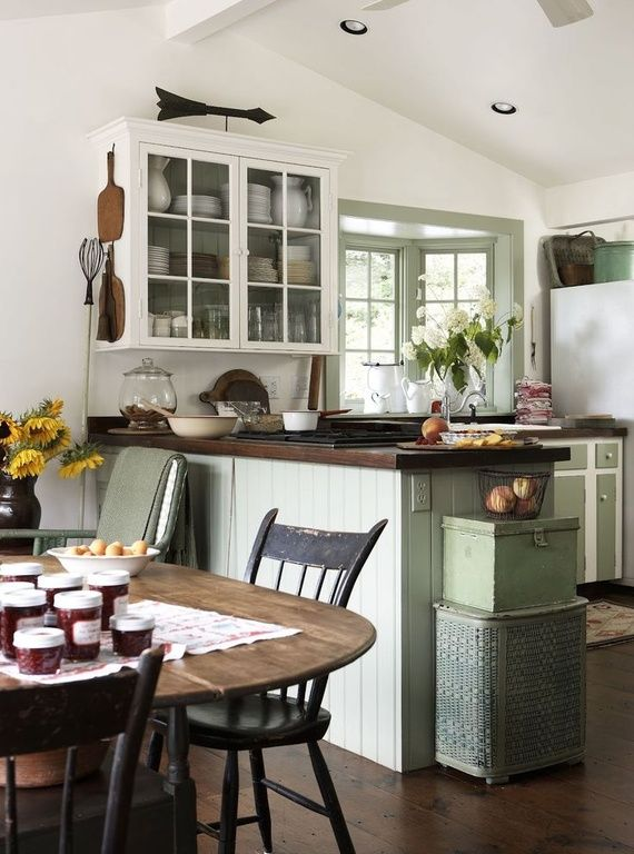 Cottage Kitchen with Bay window, Hardwood floors, electric cooktop, L-shaped, Paint 1, Inset cabinets, European Cabinets