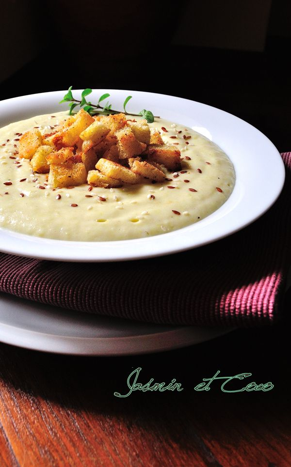 Jerusalem Artichokes, potatoes Velvet Sauce with croutons
