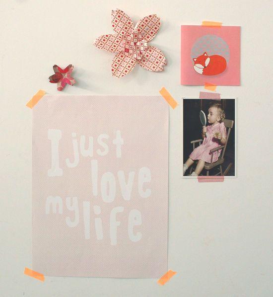 Funky Friday blog: Een zelfgemaakte poster aan de muur via Zelfkaartjes.nl http://funkyfridayshop.blogspot.nl/2012/09/een-zelfgemaakte-poster-aan-de-muur.html