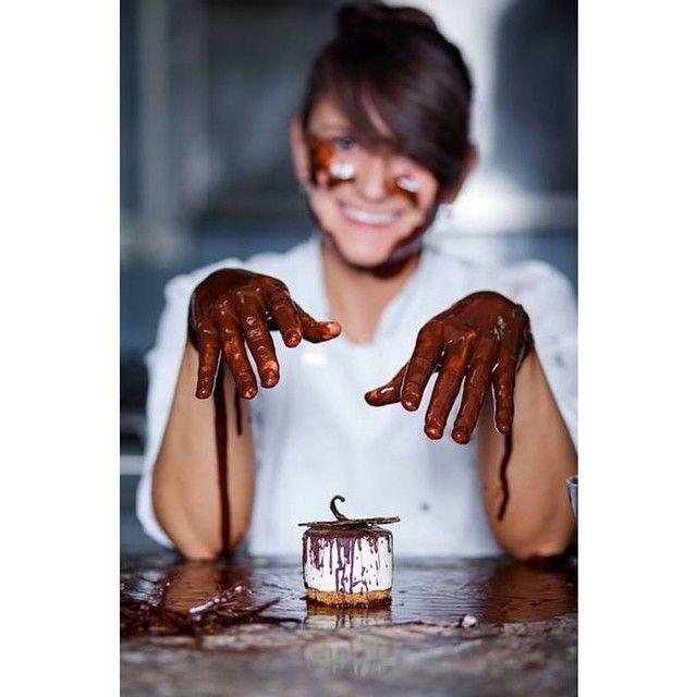 Povestea unui chef pâtissier și a cofeturilor tradiționale românești:   http://booksvinylsandrocknroll.wordpress.com/2014/10/24/povestea-unui-chef-patissier-si-a-cofeturilor-traditionale-romanesti/  Fotografie: Ștefan Panfili