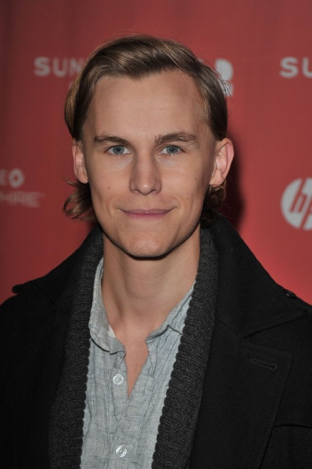 Rhys Wakefield. I am in loveeeee.