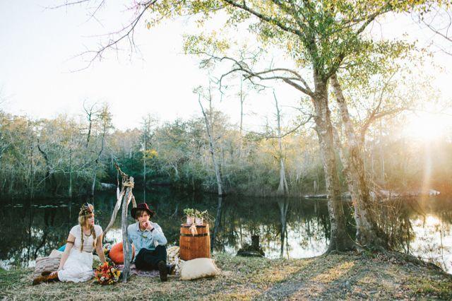 Bohemian wedding inspiration shoot | Hello Miss Lovely Photography | http://burnettsboards.com/2014/01/free-spirited-bohemian-diy-wedding/