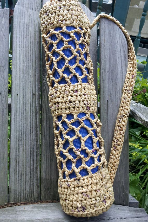 A beautiful #recycling inspiration: a yoga mat bag made from crocheted plastic bag yarn
