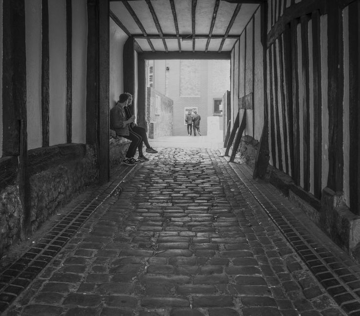 The Alley by Nigel Lomas on 500px