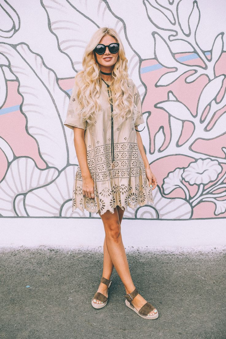 What you can't tell from these photos is that this mural was of a mermaid! And it was awesome. Love all of the fun street art in Honolulu!   The eyelet detail in this dress is so pretty! And it is such a flattering lil dress. I love all..