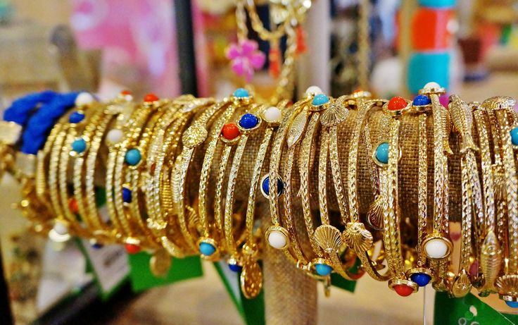 Colorful bangles at Barefoot Princess in Sandestin's Village of Baytown Wharf, www.beachguide.com/Destin/Shopping/VillageofBaytowneWharf
