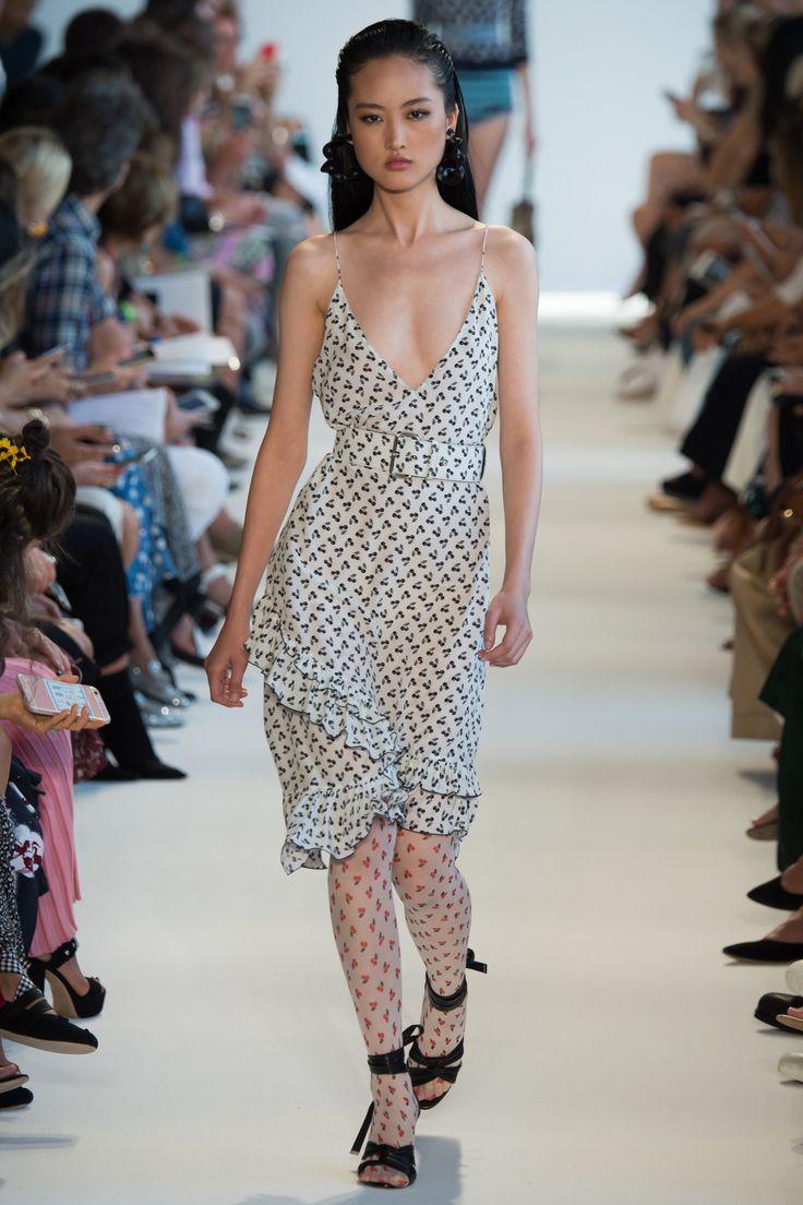Altuzarra Spring 2017 Ready To Wear Fashion Show