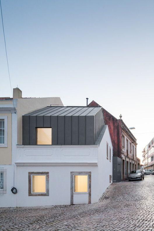 The 25 best ideas about zinc roof on pinterest modern for Modern zinc houses