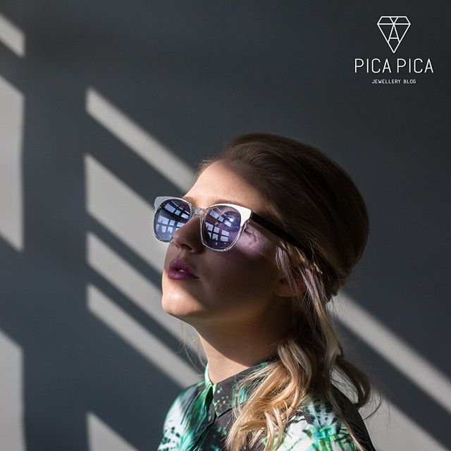 #bodyych - #andrzejbodych, #sesja #sunglasses #gym #photosession #blue #light  find more: picapica.pl