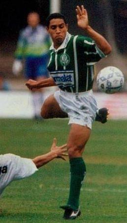 Last game of Roberto Carlos with the Palmeiras shirt in 1995 / Último jogo de Roberto Carlos com a camisa do Palmeiras em 1995