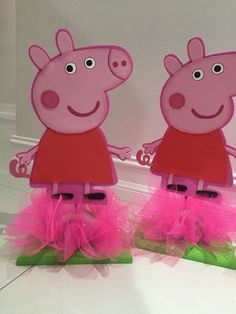 Peppa pig centerpiece by yoyisfoamworld on Etsy