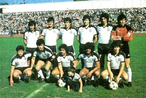 COLO*COLO+1983+:+EL+EQUIPO+QUE+GANÓ+LA+ESTRELLA+NÚMERO+14+(...)   PARADOS:+Leonel+Herrera+,+Luis+Hormazábal+,+Alejandro+Hisis+,+Óscar+Rojas+,+Lizardo+Garrido+y+Roberto+Rojas.  AGACHADOS:+Cristian+Saavedra+,+Raul+Ormeño+,+Carlos+Caszely+,+Severino+Vasconcellos+y+Jaime+Vera.+|+leyenda_y_gloria