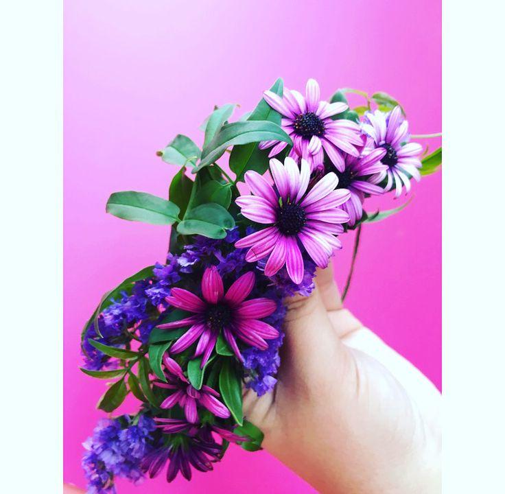 Garden flower crown by Bettie Bee Blooms. Purple statice, purple Daisy, jasmine.