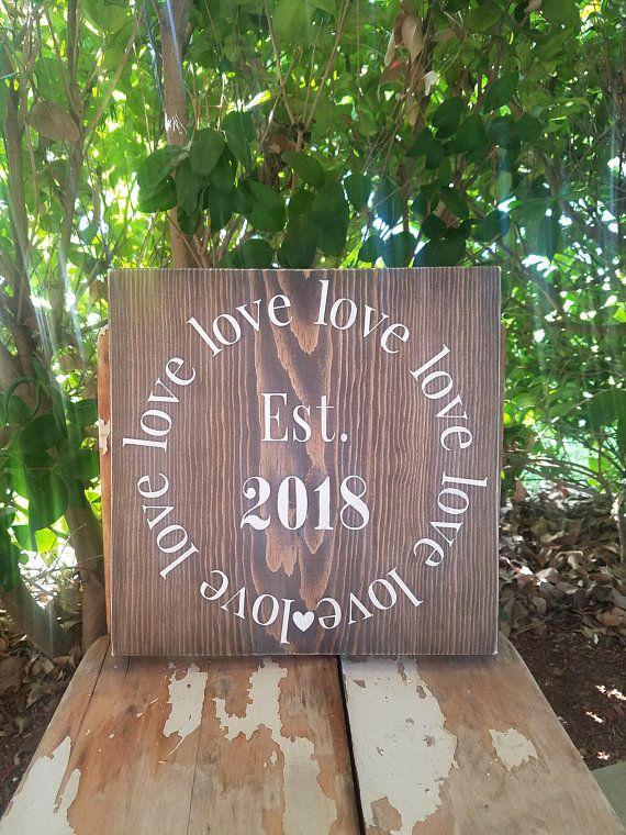 Muestras De Amor. Señales Personalizadas. Love Sign wood love sign  established sign rustic wedding Signos De Bodas Rústicas 0774b4bd36826