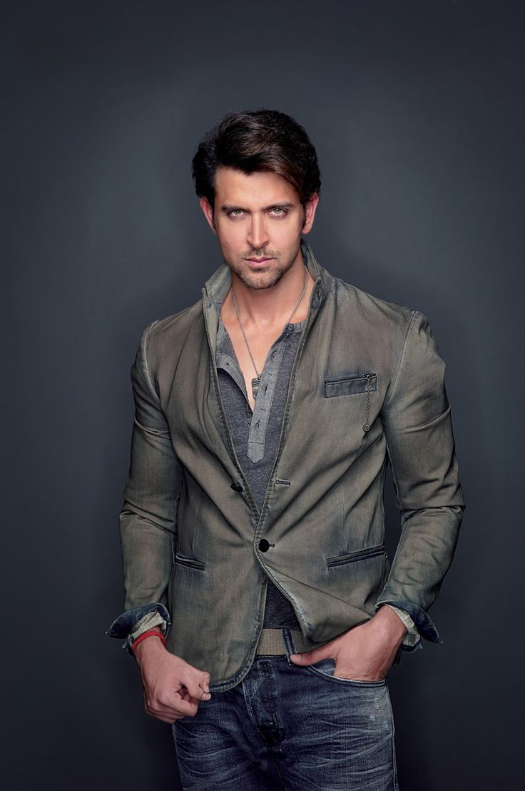 Dashing Bollywood Actor Hrithik Roshan